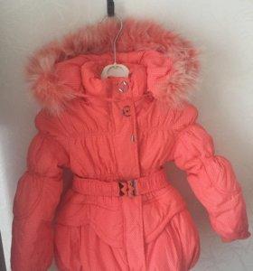 Костюм зимний (пальто + брюки-комбинезон)на3-4года
