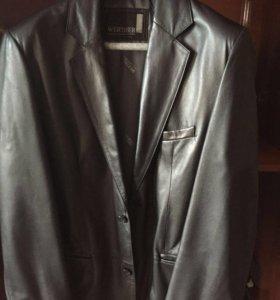 Пиджак кожаный мужской.