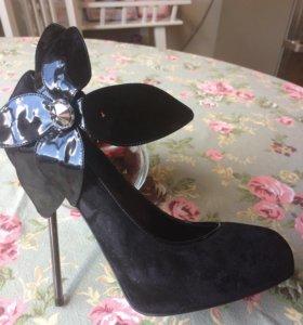 Продам итальянские туфли для торжественного случая