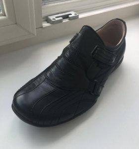 Мужские новые кроссы