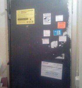 Дверь железная