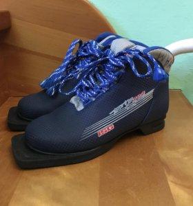 Ботинки для лыж 35 размер