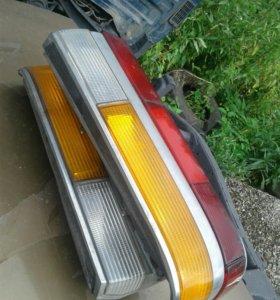 Задние фары от (BMW 525 1982 года).