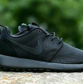 Nike Rosheruning кроссовки