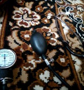 Механический тонометр, измерения давления