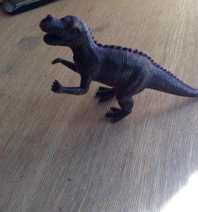 Игрушечный динозавр