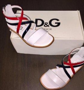 Новые Босоножки Dolce Gabbana 32 размер