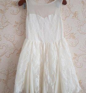 Красивое кружевное платье 46р