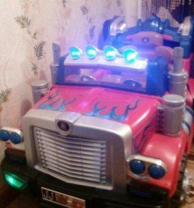 (Срочно) Детская машина на акумулятаре