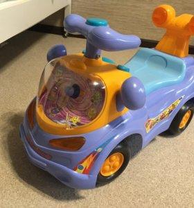 Машинка детская для катания.