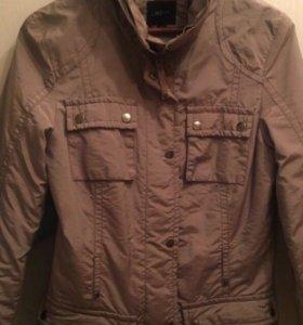 Продается демисезонная куртка.