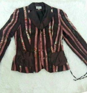 Женский пиджак тёплый плотный