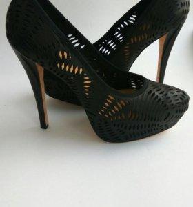 Новые кожаные туфли LAMB