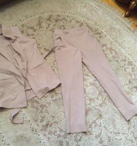 Брючный костюм размер 42