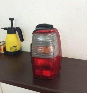 Задний фонарь Toyota Hilux Surf
