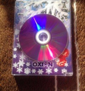 Чистые диски DVD-R в запечатанных упаковках