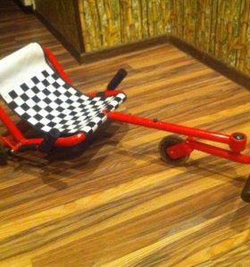 Самокат-трицикл с сиденьем
