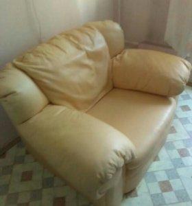 Кажаное кресло