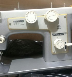 Машинка швейная на запчасти ( заводской брак)