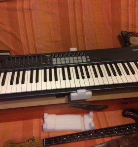 Миди клавиатура Novation 61