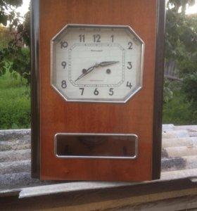 Часы настенные ( Янтарь 1972 г., в.)