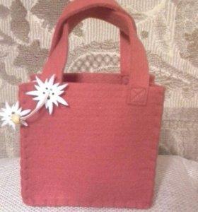 Фетровая сумочка новая