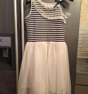 Платье на девочку 152 см.