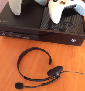 Xbox ONE 1Tb, 2 джойстика