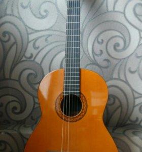 Классическая гитара(Yamaha) + чехол