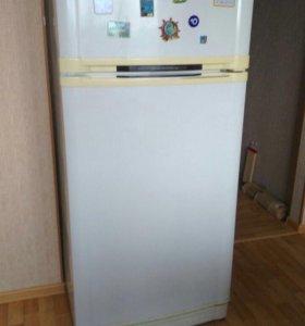 Холодильник GoldStar корея