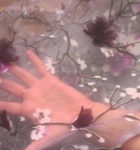 Отрез ткани органза с объемными цветами