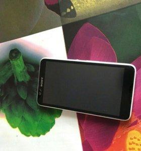 Продам телефон Sony Xperia e 4,белый, 8 Gb