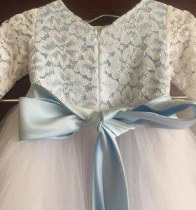 Нарядное детское платье б/у