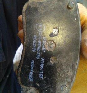 Колодки тормозные передние mintex mdb2690