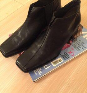 Ботинки женские новые 39 размер