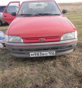 Автомобиль Форд Эскорт