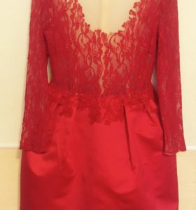 Платье красное новое