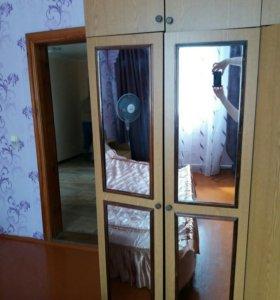 Спальный гарнитур.Шкаф, кровать, комод. Б/у