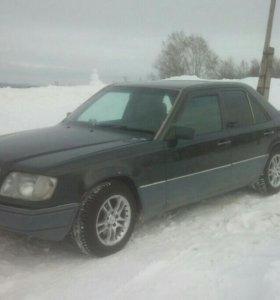 Мерседес W124 E220 1994г.