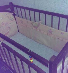 Кроватка детская на колесиках