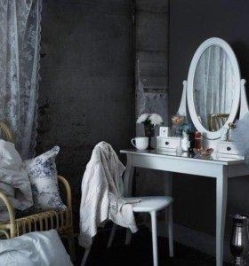 Стол IKEA с зеркалом