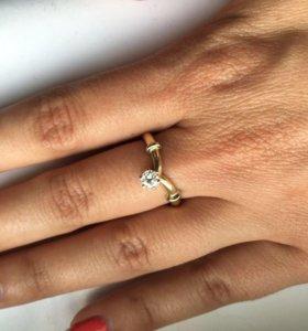 Новое золотое кольцо 3.7 гр 750 пр брилл 0.2 ct