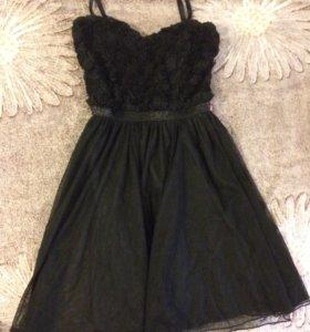 Чёрное платье gloria jeans
