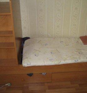 Детская кроватка с комодом.