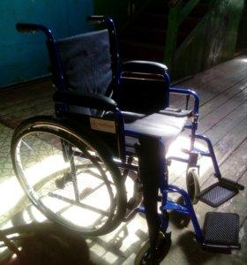 Инвалидная кресло-коляска.