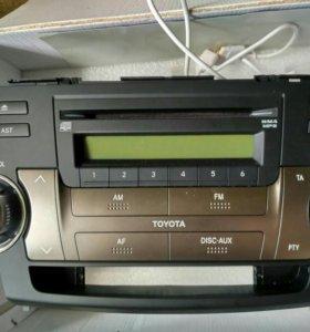 Магнитола Toyota Highlander 2012