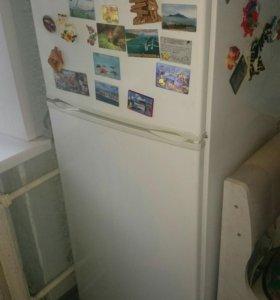 """Холодильник """"Днепр"""""""