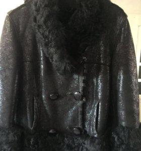 Продаётся кожаная тёплая куртка