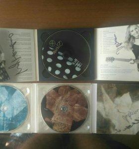 Альбомы Fleur с автографами