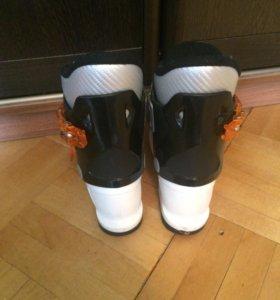 Горнолыжные ботинки детские.